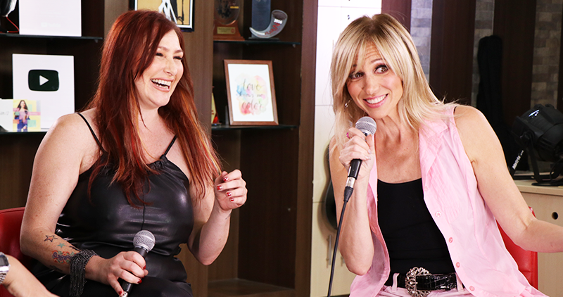 Tiffany and Debbie Gibson grace 365 Live stage