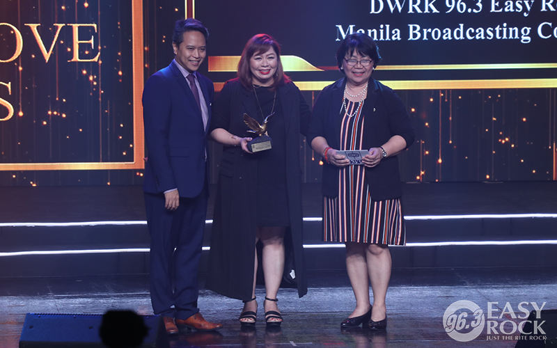 DJ Samantha receives the Best Music Radio Jock at the 27th KBP Golden Dove Awards